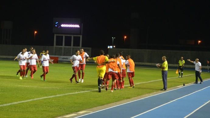 Lance da partida entre São José e São Paulo-AP pela segunda rodada do Amapazão 2015 (Foto: Rafael Moreira/GE-AP)