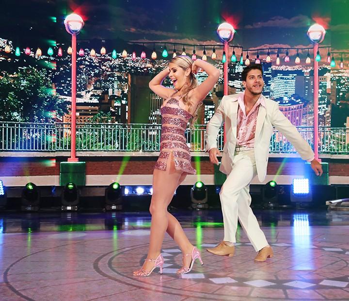 Arthur e Mayara dançaram ao som de João Nogueira (Foto: Carol Caminha/Gshow)