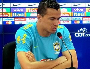 Leandro Damião na coletiva da Seleção (Foto: Rodrigo Faber / Globoesporte.com)