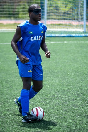 Jefinho futebol de 5 (Foto: Daniel Zappe / MPIX / CPB)