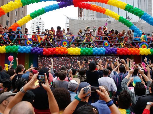 Parada Gay na Avenida Paulista (Foto: Andre Penner/AP)