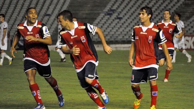 gol do Paraná x ABC (Foto: Frankie Marcone / Ag. Estado)