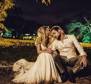 Foto dos pombinhos no casamento (Foto: Arquivo Pessoal)