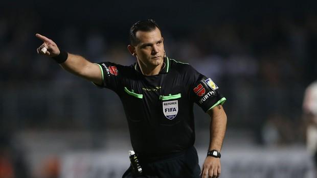 árbitro Carlos Amarilla Corinthians x Boca Juniors (Foto: Marcos Ribolli / Globoesporte.com)