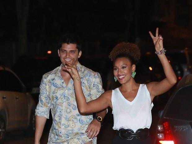 Bruno Gissoni e Sheron Menezzes em festa na Zona Oeste do Rio (Foto: Dilson Silva e Delson Silva/ Ag. News)
