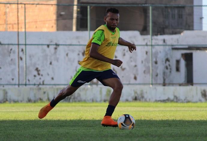 Lateral-direito Júnior Tatu é uma das voltas do São José-Ma para jogo contra o Cordino (Foto: Lucas Almeida/L17 Comunicação)