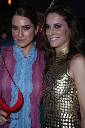 Letícia Spiller e Maria João em baile de carnaval no Rio (Foto: Anderson Borde/ Ag. News)
