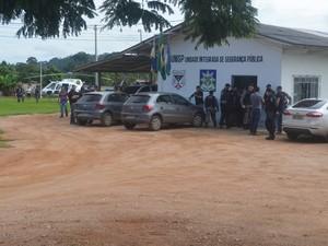Presos foram levados para Delegacia de Andreazza e depois Cacoal (Foto: Rogério Aderbal/G1)