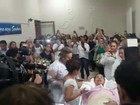 Após receber mensagem em sonho,  paciente de UTI se casa em hospital