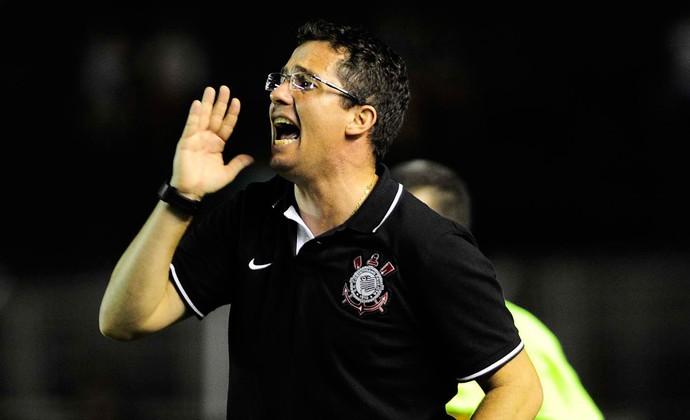 Osmar Treinador Corinthians Copinha (Foto: Marcos Ribolli / Globoesporte.com)