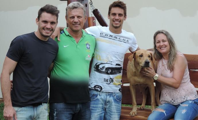 Rodrigo Caio, zagueiro do São Paulo, Férias em Dracena (Foto: Ronaldo Nascimento / GloboEsporte.com)
