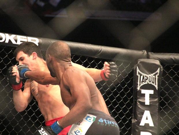 Felipe Sertanejo e Kevin Souza UFC BH (Foto: Rodrigo Malinverni)