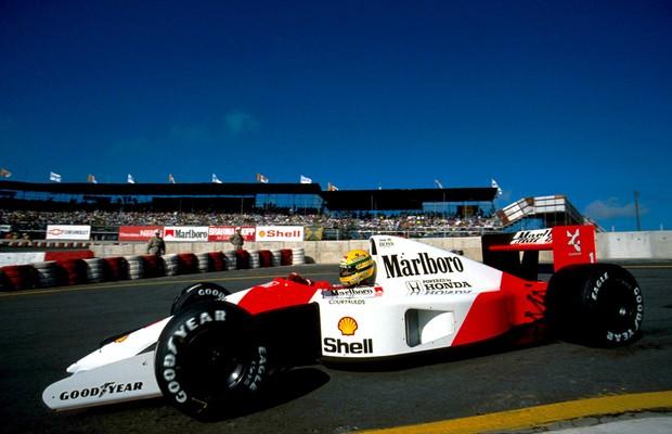 Senna saindo dos boxes de Interlagos, nos treinos de 1991  (Foto: Divulgação)