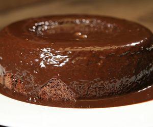 Bolo de chocolate de liquidificador da Carolina Ferraz