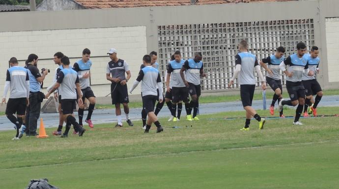 Treino Botafogo Engenhão (Foto: Marcelo Baltar)