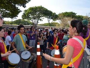Ato de funcionários e alunos em campus da Unicamp, em Campinas (Foto: Fernando Pacífico / G1 Campinas)