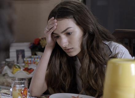 Luciana fica bolada com a demissão do pai