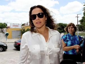 Daniela Mercury esteve na cidade de Esperança, na Paraíba, para adotar criança (Foto: Leonardo Silva/Jornal da Paraíba)