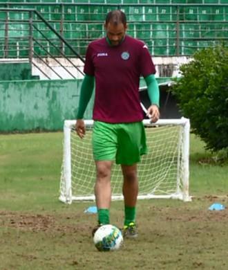Leandro Santos goleiro Guarani (Foto: Carlos Velardi / EPTV)