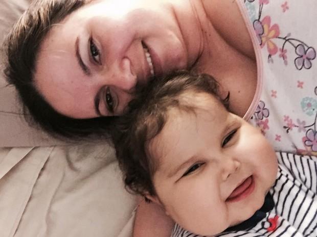 Mãe se recusou a desligar aparelhos que mantinham a menina viva  (Foto: Patrícia de Lacerda/Arquivo Pessoal)