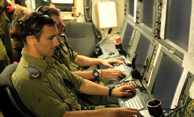 Membros da famosa Unidade 8200 da inteligência das forças de defesa de Israel
