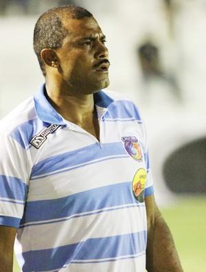 Danilton Coringa, técnico interino do Cruzeiro de Itaporanga (Foto: Magnus Menezes / Jornal da Paraíba)