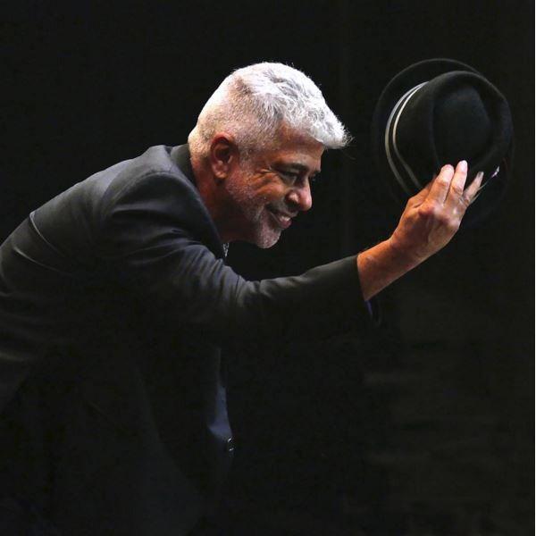Reverenciando o público com o seu chapéu principal (Foto: Arquivo Pessoal)
