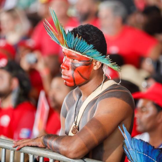 Índio em Brasília (Foto: Sérgio Lima / ÈPOCA)