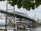 Começa a instalação da primeira das cinco treliças da Ponte Hercílio Luz