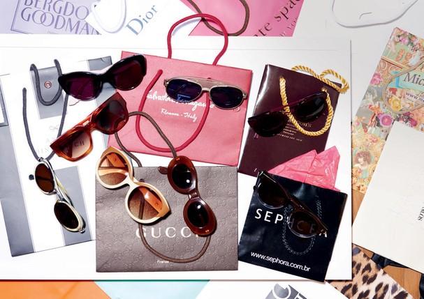 A coleção de óculos inclui modelos Céline, Alain Mikli, Fendi, Illesteva e um par feito à mão garimpado durante viagem a Roma (Foto: Thiago Justo)