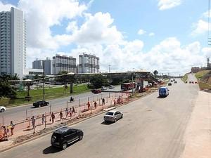 Nova pista na Avenida Paralela, na altura do Imbuí (Foto: Camila Souza/Secom Bahia)