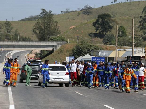Com operário em greve, inauguração de trechos da Tamoios é cancelada (Foto: Carlos Santos/G1)