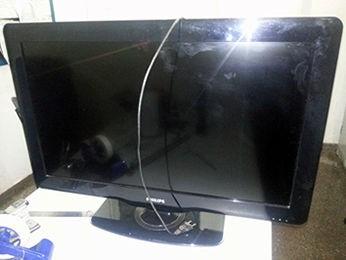 Homem furtou televisão em residência e foi espancado por moradores. (Foto: Polícia Militar)