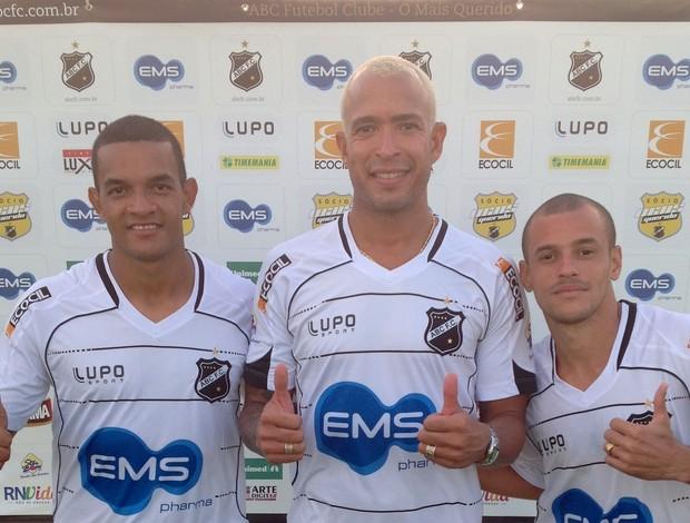 Jheimy, Júnior e Thiaguinho se apresentam ao ABC (Foto: Divulgação/ABC)