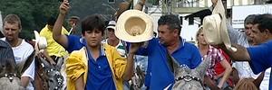Mais de 2 mil cavaleiros saem em romaria à Nossa Senhora (Reprodução/TV Gazeta)