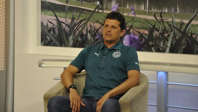Claudinei Oliveira, técnico do Goiás (Foto: Guilherme Gonçalves/Globoesporte.com)