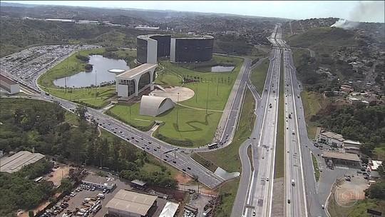 Pimentel quer privatizar e pagar para usar sede do governo de MG