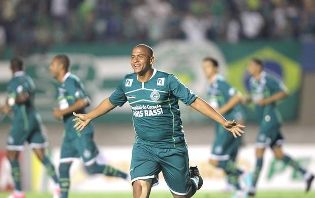 Walter, comemora gol do Goias contra o Ipatinga (Foto: Ricardo Rafael / Agência Estado)