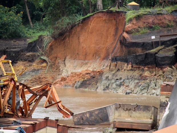 Acidente fez parte do porto ceder no Rio Amazonas (Foto: Jorge Júnior/Agência Amapá)