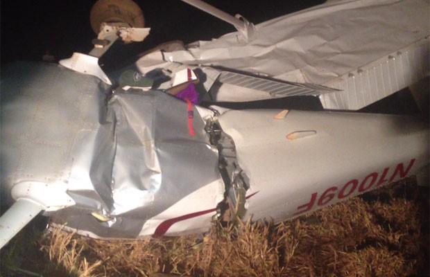 Avião monomotor que fazia voo panorâmico cai e mata quatro pessoas em Acreúna, Goiás (Foto: Elisângela Nascimento/G1)