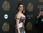 Anne Hathaway fala sobre dificuldade em perder peso após o parto