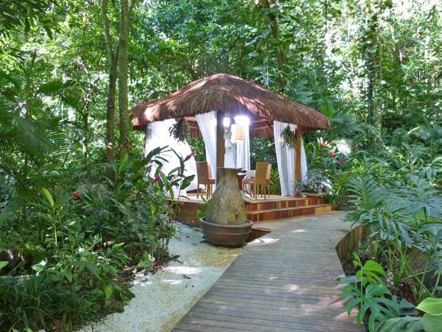A área externa da casa de cristal ganha um gazebo para as visitas da Ana (Foto: Mais Você / TV Globo)