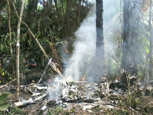 Aeronave caiu por volta das 8h desta quarta-feira (7) (Foto: Ive Rylo/ G1 AM)