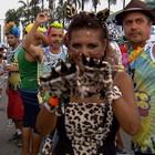 Bloco 'Gato Pingado' reúne cerca de duas mil pessoas (Reprodução/TV Anhanguera)