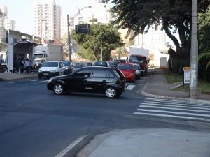 Cruzamento onde aconteceu acidente, em Piracicaba (Foto: Luiz Felipe Leite/G1)
