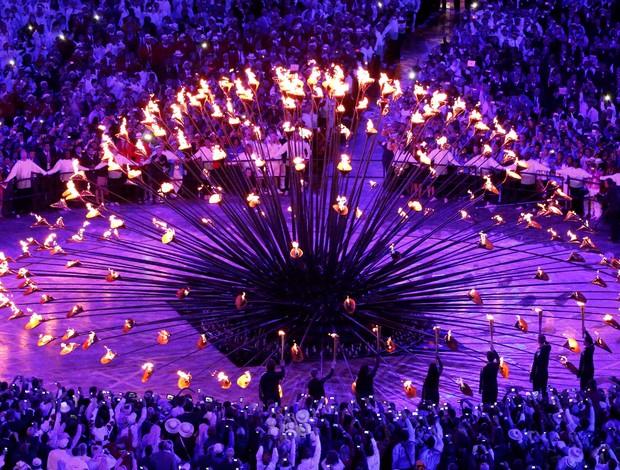 Pira Olímpica abertura olimpíadas londres 2012 (Foto: Reuters)