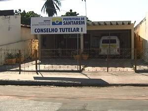 Conselho Tutelar I, localizado no bairro Santa Clara, ficará fechado até novas eleições. (Foto: Reprodução/TV Tapajós)