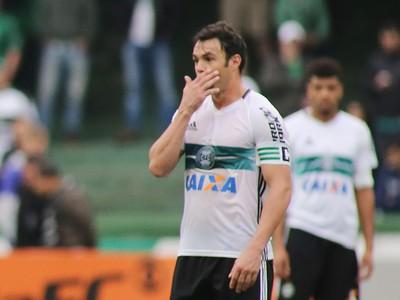 Rhayner Kleber Coritiba Ponte Preta (Foto: Giuliano Gomes/Agência PR Press)
