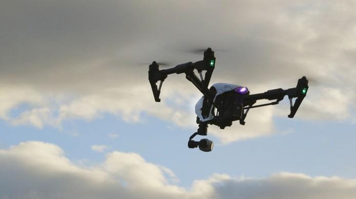 Aparelho conta com câmera capaz de registrar vídeos a 4K (Foto: Reprodução/The Verge)