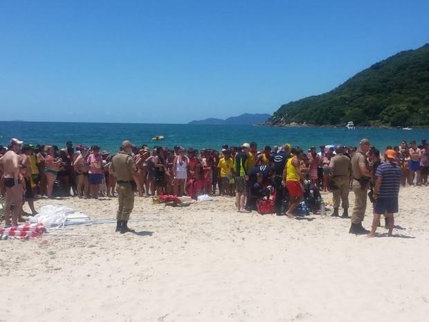 Praia estava lotada na hora do crime (Foto: Arcanjo/Divulgação)